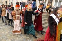 Studniówki 2019 - Polonez na Rynku w Opolu - 8278_poloneznarynku_24opole_013.jpg