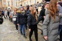 Studniówki 2019 - Polonez na Rynku w Opolu - 8278_poloneznarynku_24opole_040.jpg