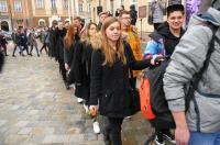 Studniówki 2019 - Polonez na Rynku w Opolu - 8278_poloneznarynku_24opole_072.jpg