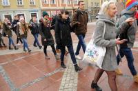 Studniówki 2019 - Polonez na Rynku w Opolu - 8278_poloneznarynku_24opole_151.jpg