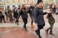 Studniówki 2019 - Polonez na Rynku w Opolu - 8278_poloneznarynku_24opole_156.jpg