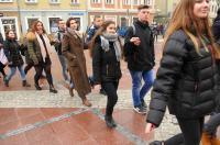 Studniówki 2019 - Polonez na Rynku w Opolu - 8278_poloneznarynku_24opole_157.jpg