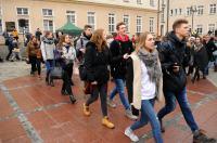 Studniówki 2019 - Polonez na Rynku w Opolu - 8278_poloneznarynku_24opole_206.jpg