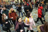 Studniówki 2019 - Polonez na Rynku w Opolu - 8278_poloneznarynku_24opole_229.jpg