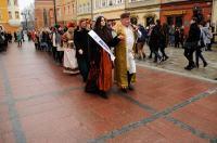 Studniówki 2019 - Polonez na Rynku w Opolu - 8278_poloneznarynku_24opole_264.jpg