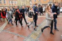 Studniówki 2019 - Polonez na Rynku w Opolu - 8278_poloneznarynku_24opole_293.jpg