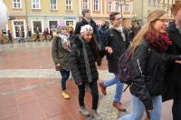 Studniówki 2019 - Polonez na Rynku w Opolu - 8278_poloneznarynku_24opole_304.jpg