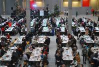 27 Wigilia dla samotnych, bezdomnych i potrzebujących w Opolu - 8430_foto_24opole_072.jpg