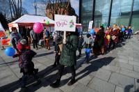 Kolorowy Korowód Fundacji Dom Rodzinnej Rehabilitacji Dzieci z Porażeniem Mózgowym w Opolu zorganiz - 8478_foto_24opole_186.jpg