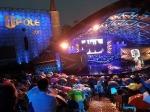 W strugach deszczu ruszył 52. Krajowy Festiwal Piosenki Polskiej
