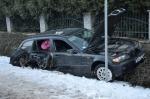 Pijana kierująca BMW wjechała w zaparkowany samochód