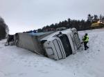 Ciężarówka przewróciła się na autostradzie A4