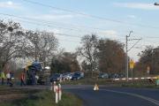 """Wypadek na przejeździe kolejowym w Brzegu. Nowy \""""Impuls\"""" do naprawy - 20191016075807_osobowka-wjechala-w-jadacy-pociag.-sa-po.jpg"""