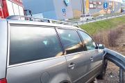 Samochód wypadł z drogi i uderzył w bariery energochłonne - 20200216180608_86357289_2760142o_1.jpg