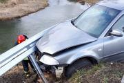 Samochód wypadł z drogi i uderzył w bariery energochłonne - 20200216180608_86802395_2715745o_3.jpg