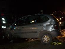 Dachowanie w Opolu, kierowca uciekł
