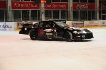 Wisienką na torcie imprezy był pokaz samochodu biorącego udział w wyścigach NASCAR.<i>(Fot: Dżacheć)</i>