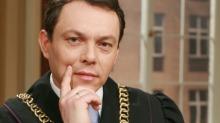 Artur Lipiński, sędzia Sądu Okręgowego w Krośnie, wciela się też w rolę sędziego w serialu TVN.