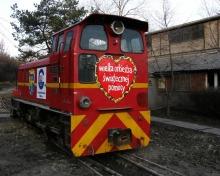 Lokomotywa kolei wąskotorowej, która służyła w Cementowni ODRA została wylicytowana za niebagatelną kwotę 30 600 złotych.