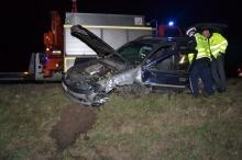 Sprawca zderzenia porzucił auto i uciekł