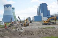 Ciężki sprzęt wjechał na budowę Elektrowni Opole