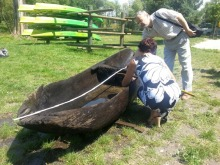 Wędkarze znaleźli łódkę, która może mieć kilkaset lat