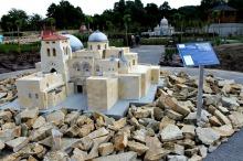 W Olszowej zobaczymy miniatury znanych katedr i bazylik