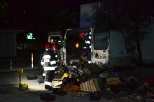 Samochód dostawczy spłonął na ul. Koszyka