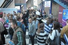 Studenci i absolwenci szukali pracy na targach