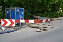 Kierownik budowy odpowie za niezabezpieczenie studzienki w Brzegu