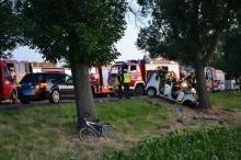 Citroen uderzył w drzewo. 36-letni kierowca zginął na miejscu.