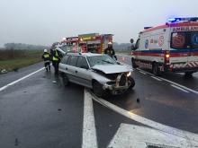 Dwaj kierowcy ranni po wypadku na