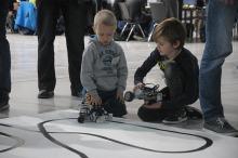 Do CWK zjechali młodzi konstruktorzy robotów z klocków Lego