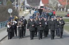 Tłumy ludzi żegnały tragicznie zmarłego Tomasza Drąga