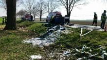 Samochód zderzył się z motocyklem. Nie żyją dwie osoby.