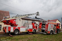 6 zastępów straży pożarnej gasiło pożar domu w Żabińcu