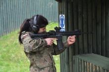 Uczniowie klas mundurowych rywalizowali na strzelnicy