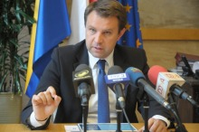 Arkadiusz Wiśniewski krytykuje włodarzy sąsiednich gmin za skargę do premier