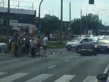 Wypadek na Zaodrzu. Motocyklista w szpitalu.