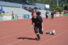 Strażacy-ochotnicy rywalizują w zawodach sportowych