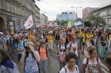 Ponad 10 tysięcy młodych pielgrzymów przemaszerowało ulicami Opola