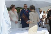 Leon i Dagmara wzięli ślub w plenerze