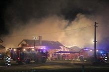 11 zastępów straży gasi pożar w Antoniowie