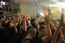 Kamil Bednarek przyciągnął tłumy opolan na charytatywny koncert w Kubaturze
