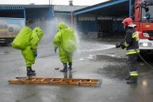 Widlak uszkodził zbiornik z substancją chemiczną