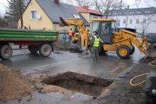 Wyciek gazu na ul. Jagiellonów. Robotnicy uszkodzili gazociąg.