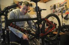Rusza sezon rowerowy. Jak zadbać o sprzęt po zimowej przerwie?