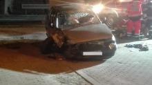 Opel uderzył w wiadukt. Interweniował śmigłowiec LPR.