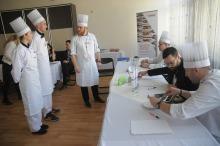 """Uczniowie potrafią gotować. Za nami konkurs """"Regionalne Smaki""""."""