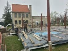 Prace przy budowie świetlicy we Wróblinie idą pełną parą